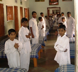 Boys dorm 2005-11-17 India II 213