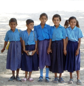 Orphan girls in blue 2005-11-17 India II 592